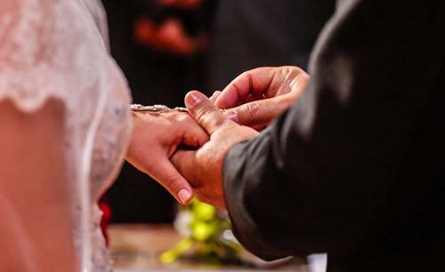 f077528375 Kezdőlap: Anica Esküvői Ruhaszalon és Varroda és kölcsönző - bérlés ...